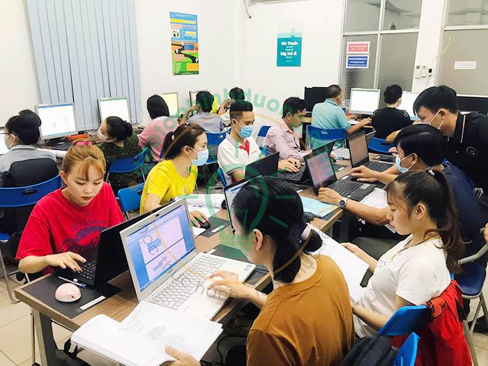 đào tạo tin học cơ bản cho công nhân tại bình dương